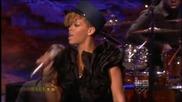 Rihanna - Hard live