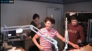 Dj Louis Tomlinson - One Direction - Behind The Scenes