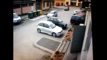 Най - извънземното паркиране което сте виждали