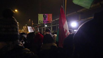 Hungary: Thousands hit Budapest over Orban's controversial 'slave law'