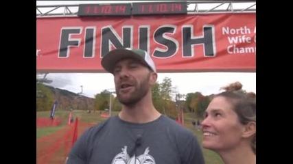 Двойка от Мейн спечели състезание по носене на съпруги в Северна Америка