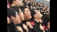 кадри! Корейци влизат в ролята на огромен екран