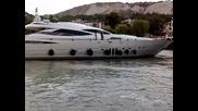 Супер Луксозна Яхта на Армеец в Балчик :)