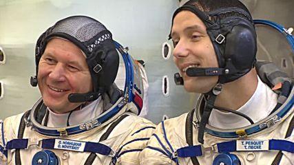 Русия показа астронавтите, определени за следващата космическа мисия
