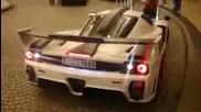 Екстремно Enzo Ferrari в Дубаи!!!