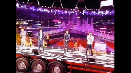 One Direction пеят на Olympics - What Makes You Beautiful