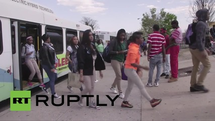 USA: Rival gangs team up to guard Baltimore schoolkids