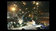 Axl Rose & Queen - We Will Rock You