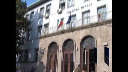 Продължава делото за радикален ислям в Пазарджик, над 200 души са се събрали пред съда