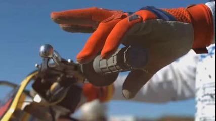 Мотокрос в Супер Забавен Кадър