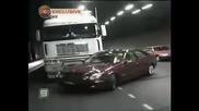 Камион повлича кола