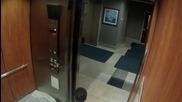 Клоун убиец в асансьора!!