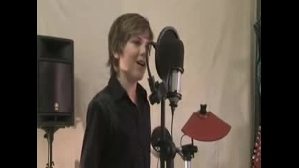 Jordan Jansen пее Hallelujah from Shrek by Leonard Cohen