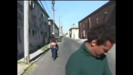 ходи по улицата с памперс