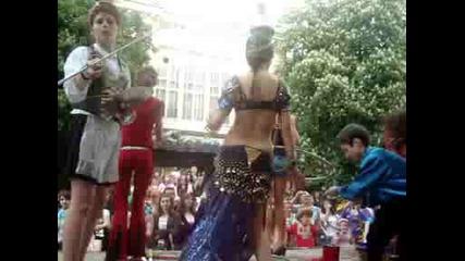 Indiiski tanci na Karnavala v Gabrovo 2009