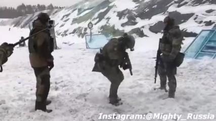 Руски специални сили по време на стрес обучение в бойни условия.