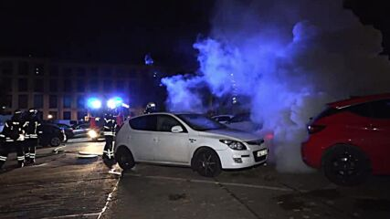 Germany: Multiple cars destroyed after authorities ban Antifa demos