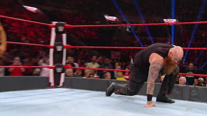Seth Rollins vs. Erick Rowan - Falls Count Anywhere Match: Raw, Oct. 28, 2019 (Full Match)