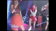 Превод: Violetta 3 - Рокси , Фауста и Камила- A mi lado Rebola