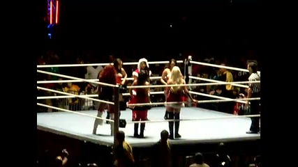 Raw World Tour (divas Dance-off)