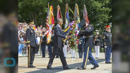Obama Pays Tribute to Fallen Service Members in Arlington
