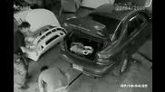 Кола пада вурхо човек