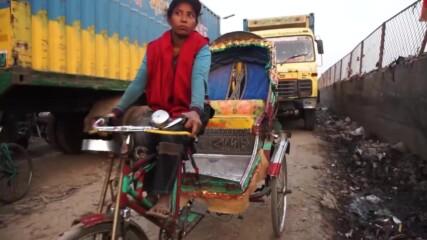 По-бърза от мъжете: единствената жена-шофьор в Бангладеш
