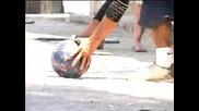 Перфектен Футбол! Трябва да се види !