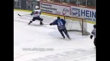 Hockey Da Izpusne6 Na Prazna Vrata
