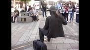 Човек е седнал във въздуха-изумително !!!
