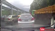 Верижна катастрофа с 29 коли поради аквапланинг в Китай