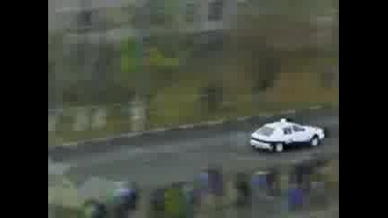 Москвич Vs Спортна Кола