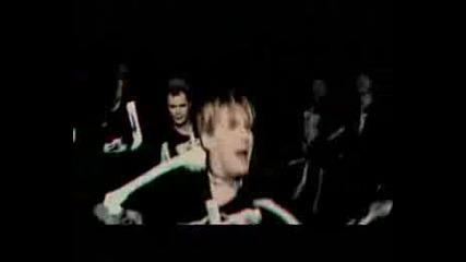 Kaiser Chiefs - Everyday I Love You Less