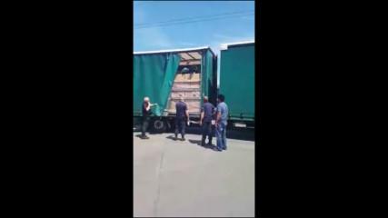 Нагъл мигрант се промъкна в камиона на лют български тираджия