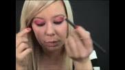 Как Да Се Гримирате Като Avril Lavigne?