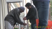 Магически трик с Iphone зарадва бездомник