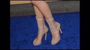 Относно обувките на Сел:д в и песен A Year Without Rain