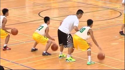 Джереми Лин проведе тренировъчен камп за младежи в Тайван