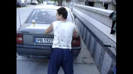 Пич Тренира На Кола
