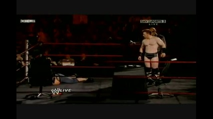 John Cena и Sheamus подписват договор за мач !