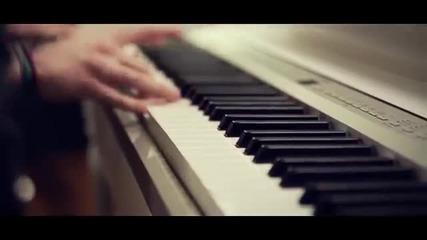 Момиче с прекрасен глас пее песен на Justin Bieber