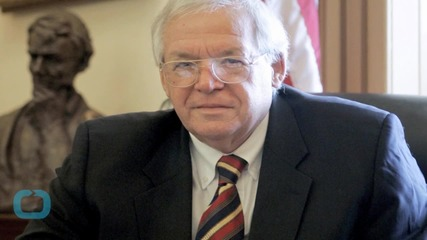 Christian College Removes Hastert's Name After Indictment