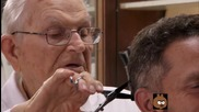 Вие бихте ли посещавали 98 годишен бръснар?