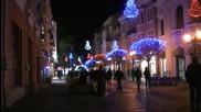 Светещи дъги, музика и добро настроение по Коледа в Пловдив (ВИДЕО)