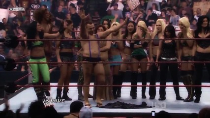 He sexy and they know it; Santino & Divas