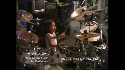 Julian Pavone 3 барабанист