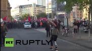 Германия: Кръв по улиците на Франкфурт след сблъсък на протестиращи