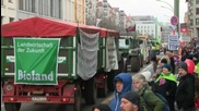 Germany: Tractors roll through Berlin as thousands demand agricultural change