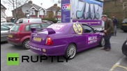 UK: UKIP leader Farage retreats to pub as protesters rally outside campaign HQ