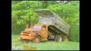 Камион Се Преобръща